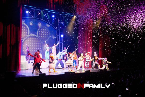 Full ensemble grand finale of Disney Live! Mickey's Music Festival