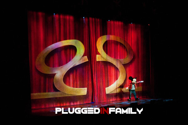 Mickey takes the stage with Disney Live! Mickey's Music Festival