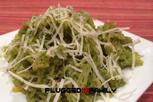 Pesto in Spaghetti Squash