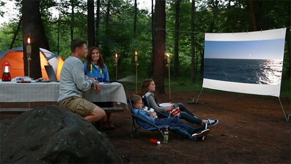 Technology makes outdoor movie theater portable