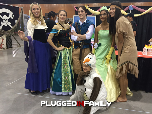 Disney Princesses Cosplay at Phoenix Comicon 2016