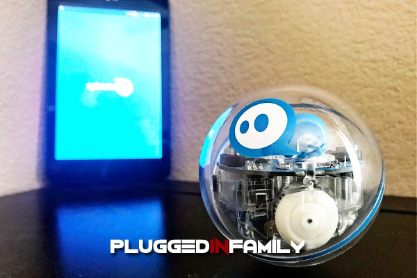 Sphero SPRK Plus is controlled with your smartphone or tablet