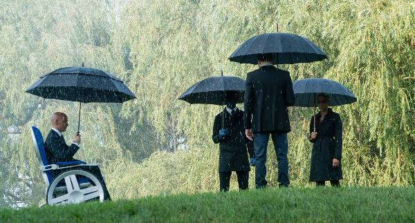 Professor X Storm Beast and Cyclops at funeral for dead X-Men mutant